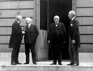 Los representantes de las potencias vencedoras: David Lloyd George, Vittorio Orlando, Georges Clemenceau y Woodrow Wilson