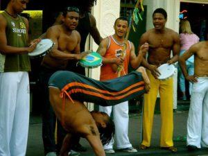 Exhibición callejera de Capoeira