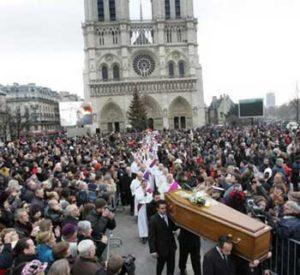 A su muerte en 2007, toda la ciudad de París se volcó en su funeral