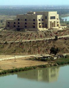 Palacio a la orilla del Éufrates