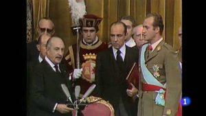Momento de la coronación, el 22 de noviembre de 1975.