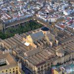 Vista aérea de la Mezquita de Córdoba (Toni Castillo, Wikimedia).