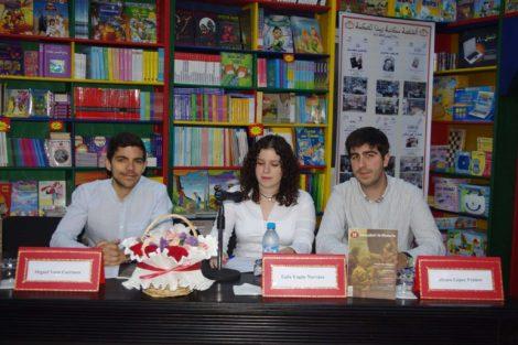 El equipo de 'Descubrir la Historia': Miguel, Gala y Álvaro, de izquierda a derecha.