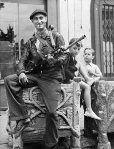 Miembro de la resistencia francesa en 1944 (Wikimedia).