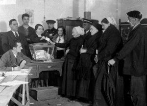 Referéndum autonómico del 5 de noviembre de 1933 en Éibar para la aprobación de un nuevo texto de Estatuto. La primera ocasión en que se llevó a cabo el voto femenino en España.