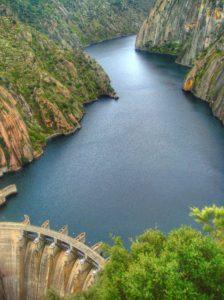 Las escenas finales de la película fueron rodadas en la presa de Aldeadávila (Salamanca)