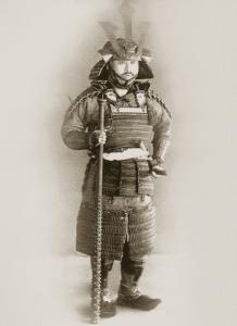 Samurái del periodo Tokugawa con armadura completa