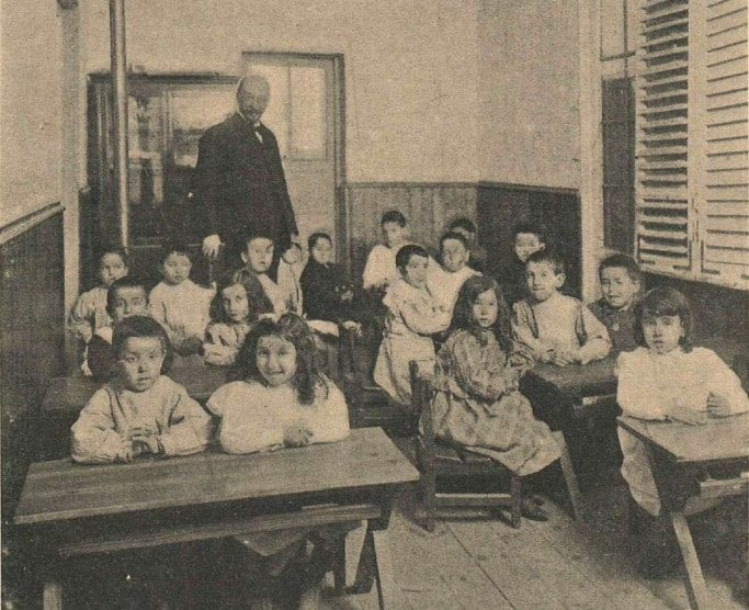 Alumnos de la Institución Libre de Enseñanza (Fotografía de Christian Franzen, Wikimedia).