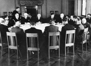 Yalta - LC USZ62 113222 24400730620  - Yalta: una extraña negociación
