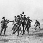 El fútbol crea un momento de paz y fraternidad en 1914