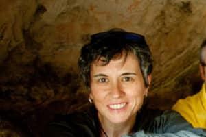 La Dra. Mónica Solís Delgado en el Tajo de las Figuras | Javier Pérez Delgado.