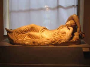 Ariadna dormida. Copia romana de un original griego del siglo II a. C. (Wikimedia).