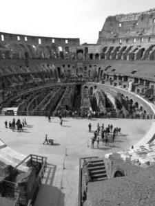 Interior del Anfiteatro Flavio, conocido popularmente como el Coliseo (Pedro Huertas).