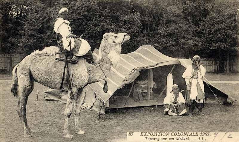 Campamento Tuareg en la exposición de 1907 en París (Wikimedia).