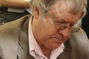 Ian Gibson (Wikimedia).