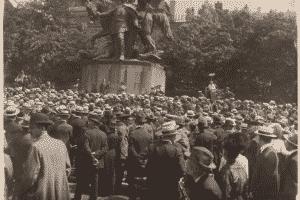 Manifestación en el funeral de Rosa Luxemburgo, Fráncfort del Meno, 1919.