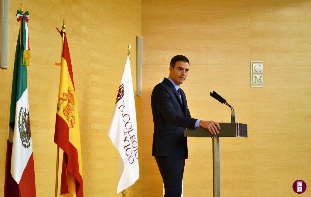 Pedro Sánchez durante su conferencia en El Colegio de México.
