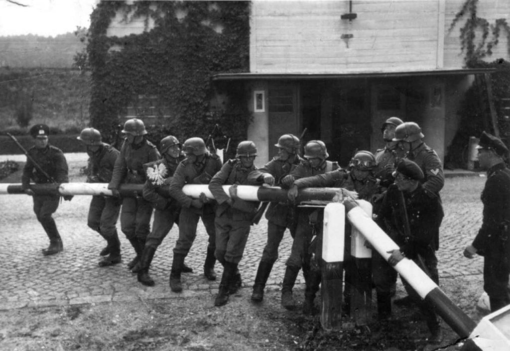 El ejército alemán cruzando la frontera polaca el 1 de septiembre de 1939 (Wikimedia).