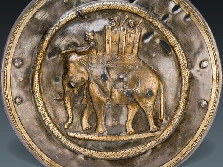 Elefante de guerra iraní datado en el siglo III-II a. C. (Museo Hermitage, San Petersburgo).