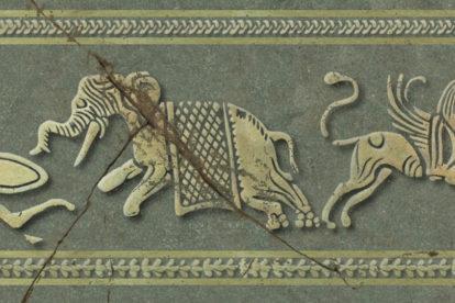 Un elefante y un grifo. La imagen se basa en un fragmento de loza quizás de Memphis. Se considera que es del siglo III a. C. y ahora está en la colección del Allard Pierson Museum, Ámsterdam.